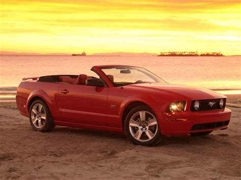 convertible cars for ford mustang gt convertible photos news reviews specs