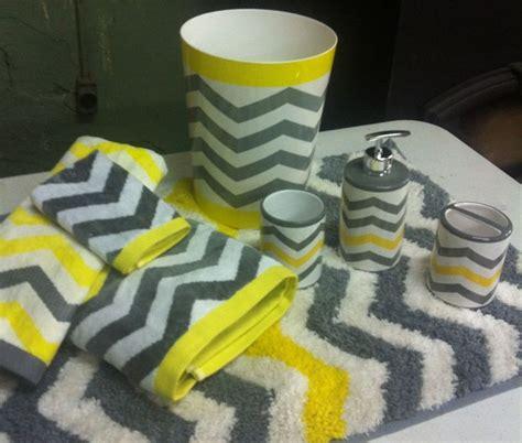 1000+ Ideas About Gray Chevron Bathroom On Pinterest
