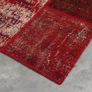 tapis de luxe rouge kilim en laine style patchwork par angelo With tapis kilim avec canapé fabrication belge