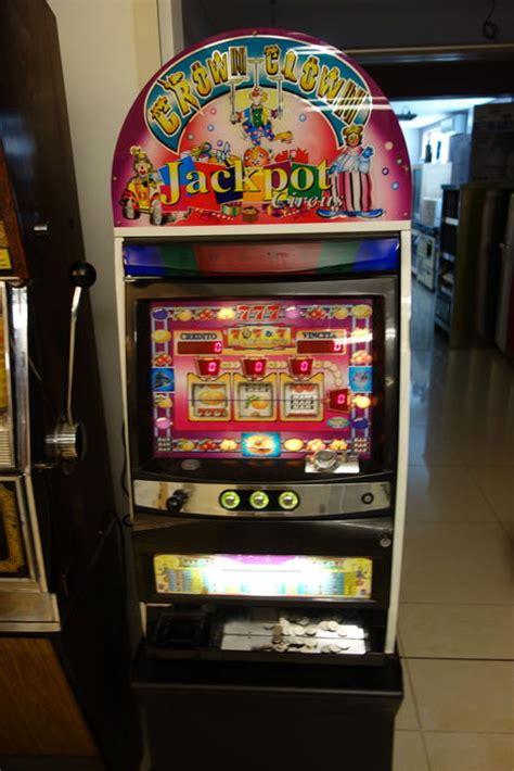Crown Clown Jackpot Circus, Slot Machine, Cashes Out