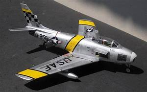 North American F-86F Sabre, Academy 1:48 von Florentin Manea