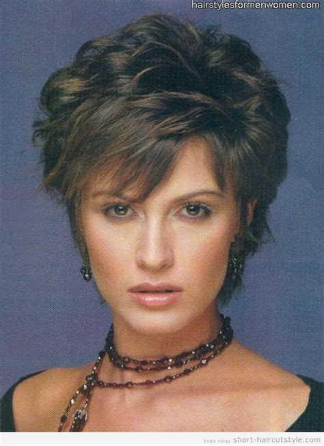 short curly hairstyles  women   naturally curly
