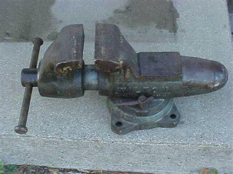 vintage large wilton machinist bullet    swivel bench