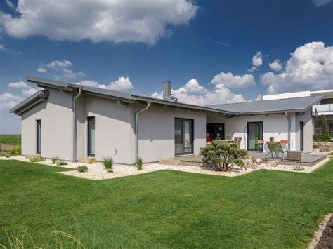 häuser mit pultdach fertighaus luxhaus bungalow pultdach 145