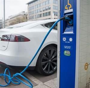 Ladestation Elektroauto öffentlich : strom eon auf eine ladestation kommen derzeit nur 4 5 ~ Jslefanu.com Haus und Dekorationen