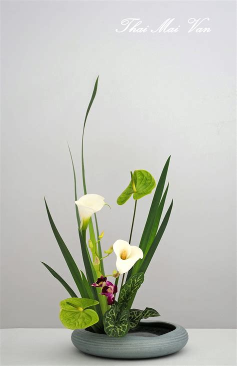 Japanese Flower Vase Ikebana by Pin By Ezzie Lil Flower On The Of Thai