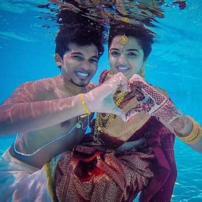mangal parinay   choose underwater pre wedding