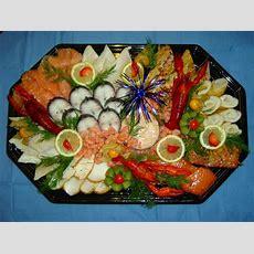 Fischplatte Garnieren