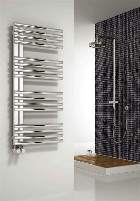 badezimmer heizung handtuchhalter reina adora edelstahl designer heizk 246 rper handtuchhalter badezimmer heizung ebay