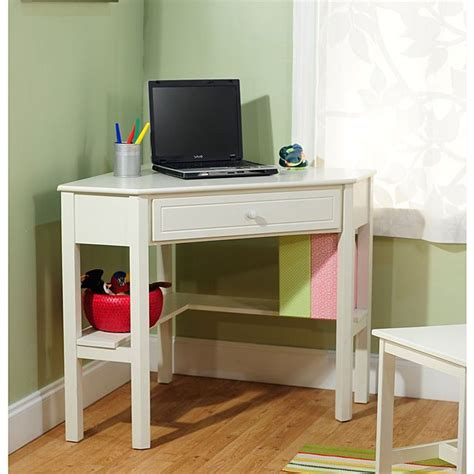 Small Bedroom Laptop Desk by Best 25 Small Corner Desk Ideas Only On