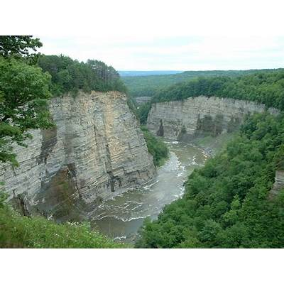 File:Letchworth State Park Gorge.JPG