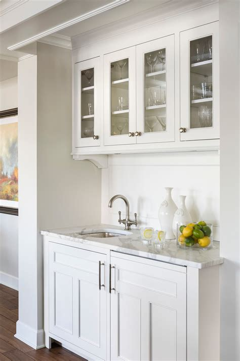 simply white kitchen cabinets benjamin simply white paint color schemes