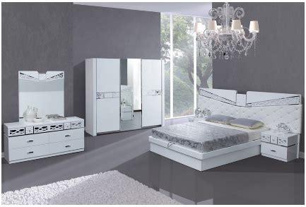 chambre a coucher blanc laqué chambre a coucher complete laque blanc et chrome
