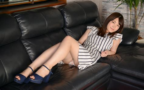 Download Photo 2560x1600 Japanese Teen Girl Posing Panties Asian Smile Legs Non Nude