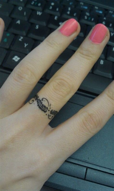 50 cool wedding ring tattoos to express their undying love ecstasycoffee