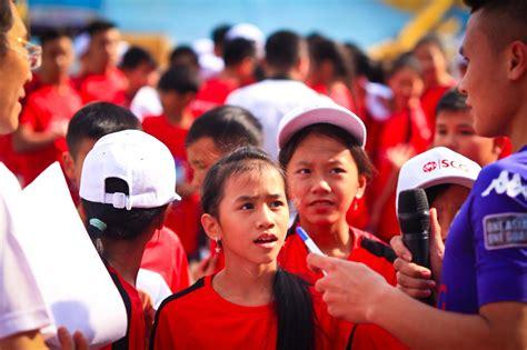Quên Vleague, Thành Lương, Quang Hải, Văn Quyết Làm Fan