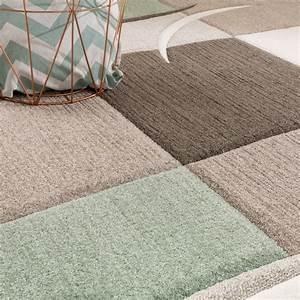 designer teppich karo pastelltone grun design teppiche With balkon teppich mit tapete beige muster