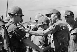 International Guard: How The Vietnam War Changed Guard ...