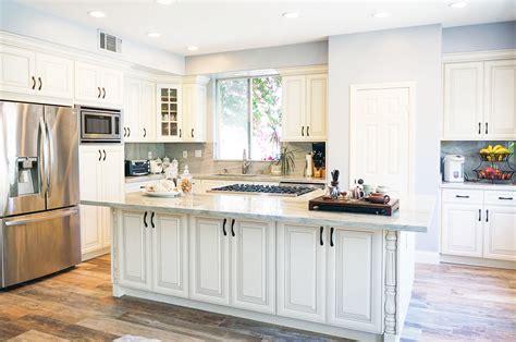 dove white kitchen cabinets dove white glaze ready to assemble kitchen cabinets i 6943