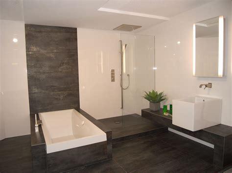 Bad Fliesen Modern by Moderne Dusche F U00fcr Moderne Badezimmer Badezimmer
