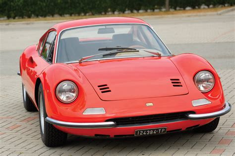 He told me that it was fully restored in the uk but needed to be checked out after the overseas voyage and address a few little squeaks and issues. photo FERRARI DINO 206 GT coupé 1968 - Motorlegend.com