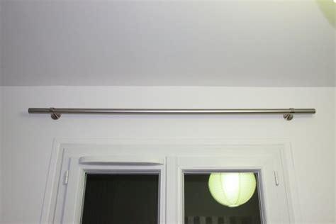 brico installer une tringle 224 rideaux