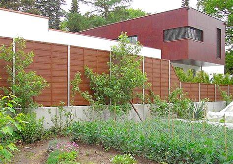 Sichtschutz Garten Zur Straße by Sichtschutzelemente Aus Wpc Blickschutz Und L 228 Rmschutz