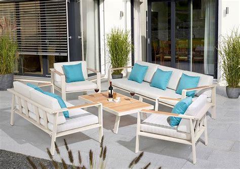 sitz lounge aus paletten einfach und g 252 loungem 246 bel f 252 r garten und terrasse obi loungem 246 bel