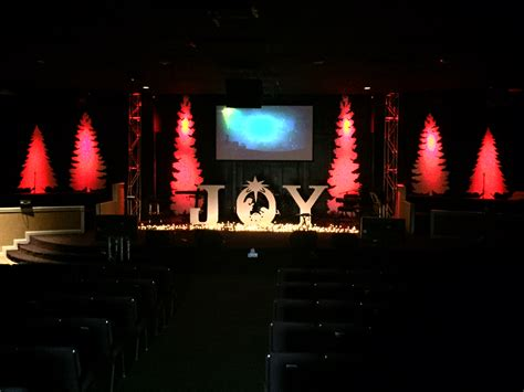 christmas stage decorations coro trees church stage design ideas