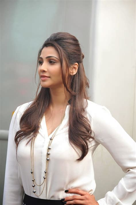 High Quality Bollywood Celebrity Pictures Daisy Shah