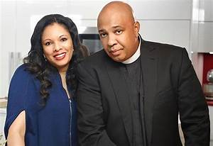 Comedy Series Starring Rev Run and Justine Simmons Coming ...