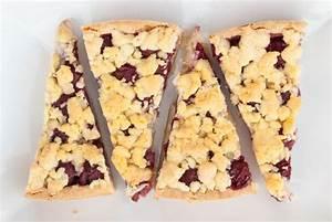 Kirschkuchen Blech Pudding : einfacher kirschkuchen mit streusel ~ Lizthompson.info Haus und Dekorationen