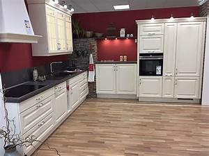 Arbeitsplatte Küche Preis : nobilia musterk che gro e landhaus k che so viel charme ~ Michelbontemps.com Haus und Dekorationen
