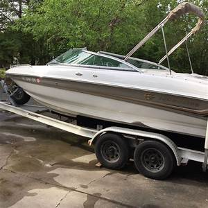 Crownline 210 Lx 2004 For Sale For  16 000
