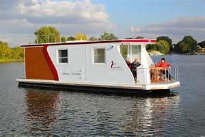 Wohnen Auf Dem Hausboot : hausboote ponton schwimmk rper und wasserfahrzeuge wohnen auf dem wasser ~ Markanthonyermac.com Haus und Dekorationen