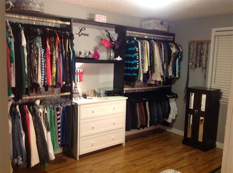 turned a spare room into a closet house