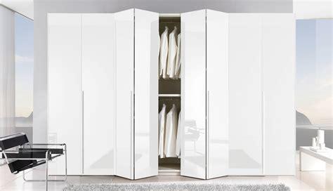 armoire penderie pratique pour que la chambre soit en