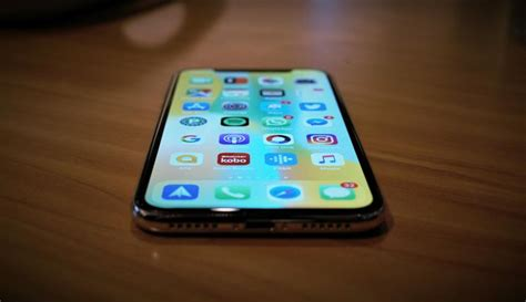 apple launches free replacement program for faulty displays of some iphone x units canadian