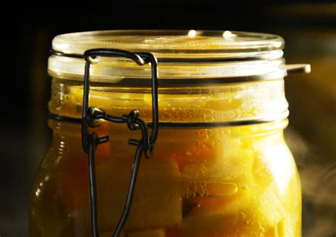 einkochen im backofen schraubgläser sterilisieren im backofen flaschen und gl ser sterilisieren so geht es kochen einkochen die