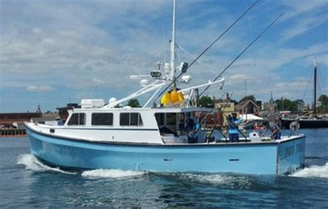 Tuna Fishing Boat Builders by Axalta S Imron Paint Shines On Fishing Boat Featured On Tv