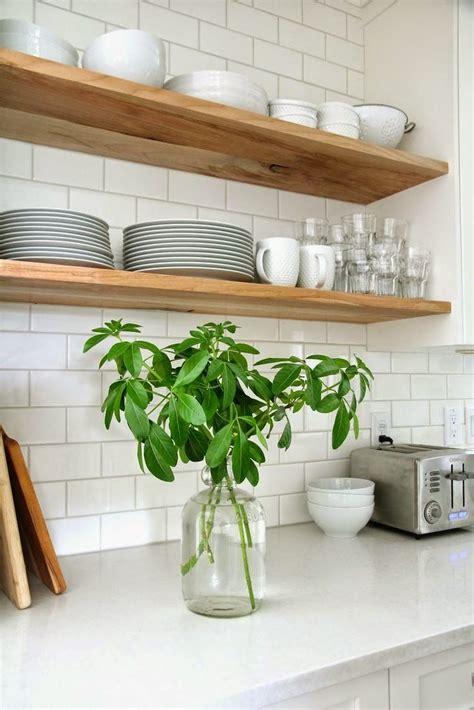 etagere deco cuisine 17 meilleures idées à propos de étagère de cuisine ouverte