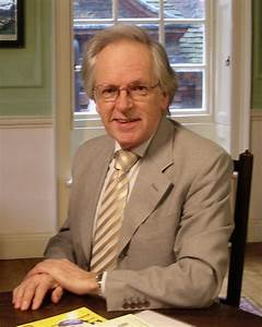 File:Nigel Rees at Dr Johnson's House, London.jpg - Wikipedia