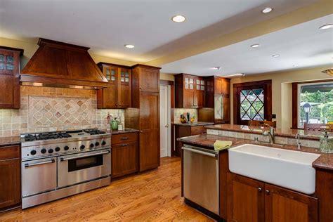 craftsman style cabinets kitchen craftsman kitchen 2 hooked on houses 6250
