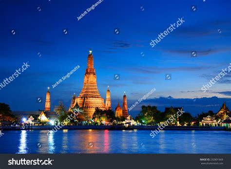 Wat Arun Bangkok Thailand Stock Photo 232801669 Shutterstock