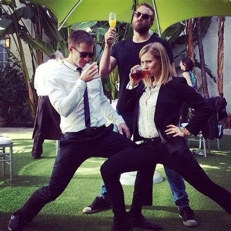 if this isn t the most fun cast i don t know who is behind the scenes veronica mars movie