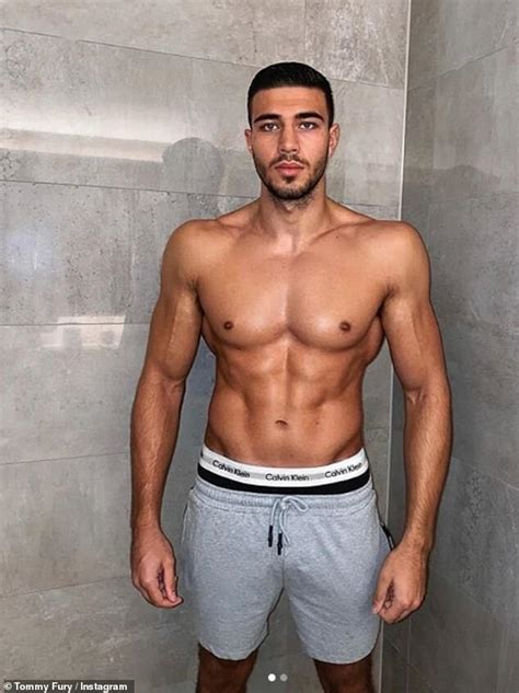 Tommy fury returned to the ring in style with a second round knockout victory over genadij krajevskij on friday 13th november to. Tommy Fury shows off his incredible body transformation ahead of fight