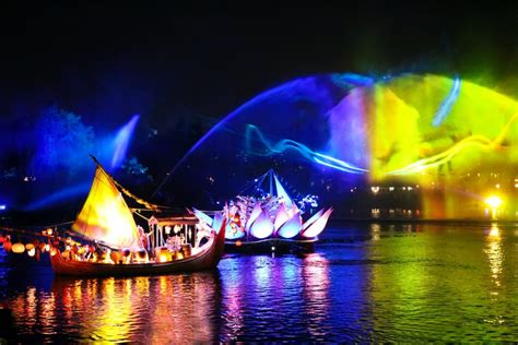 Disney Light Show by Disney S Animal Kingdom New Rivers Of Light Show The