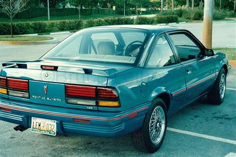 Pontiac Sunbird V6 Coupe 1993
