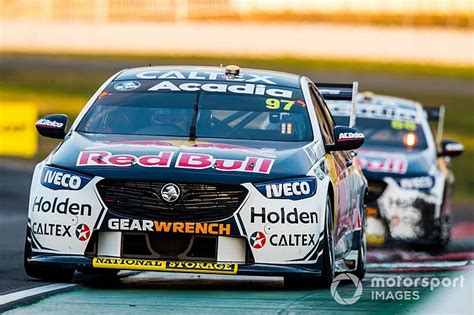 holden committed to commodore v8 engine in supercars