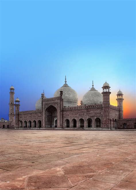 Lahore: The Iconic Monument of a Majestic City   Beatler